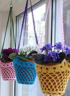 .Crochet flower pot holders