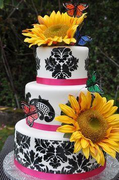 Sunflower Cake #http://www.timelesstreasure.theaspenshops.com/product/baby-shower-cakes.html