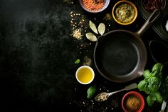 Frying pan empty with various spices in a black table Free Photo Menu Design, Food Design, Photoshop Web Design, Food Flatlay, Food Photography Tips, Spices And Herbs, Food Concept, Food Backgrounds, Black Table