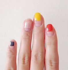Beautiful nail art designs that are just too cute to resist. It's time to try out something new with your nail art. Minimalist Nails, Minimalist Fashion, Nail Art Designs, Nail Design, Design Art, Space Nails, Manicure E Pedicure, Manicure Ideas, Japanese Nails