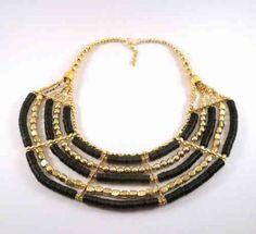 Original Collar Dorado y Negro, muy combinable para cualquier ocasión. En oferta solo 5,77€!!! Pídelo ya en www.innovamoreno.es Se agotan!
