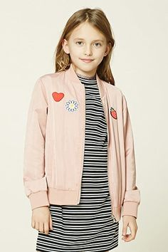 ¡Cómpralo ya!. Girls Patched Bomber (Kids). details   Forever 21 Girls - A woven bomber jacket featuring various patches including a heart, daisy, and strawberry, a zip-up front, ribbed trim, two front slit pockets, and long sleeves.  Content + Care   - Shell & Lining: 100% polyester- Machine wash cold- Made in China  Size + Fit  - Model is 4'3%22 and wearing a size 7/8- Full length: 20%22- Chest: 30%22- Waist: 30%22- Sleeve length: 18%22 , chaquetabomber, bómber, bombers, bomberjacke…