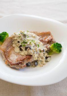 ポークステーキ きのこのマスタードクリームソース by tomoko 「写真がきれい」×「つくりやすい」×「美味しい」お料理と出会えるレシピサイト「Nadia | ナディア」プロの料理を無料で検索。実用的な節約簡単レシピからおもてなしレシピまで。有名レシピブロガーの料理動画も満載!お気に入りのレシピが保存できるSNS。