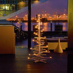 Modern Christmastree - Holztannenbaum von PHILIPPI