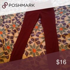 Old Navy Rockstar jeans Color: plum, cotton and 2% spandex. Worn only once. Stretchy. Old Navy Jeans Skinny