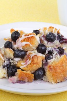 Overnight Blueberry French Toast Recipe - but maybe change it to raspberry or blackberry. What's For Breakfast, Breakfast Items, Breakfast Dishes, Breakfast Recipes, Breakfast Casserole, Tostadas, Blueberry French Toast, Blueberry Recipes, Brunch Recipes