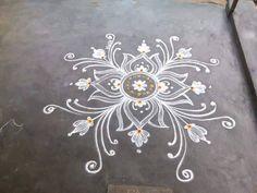 Nice. . Rangoli Designs Latest, Rangoli Designs Flower, Rangoli Border Designs, Rangoli Ideas, Rangoli Designs Diwali, Rangoli Designs With Dots, Kolam Rangoli, Flower Rangoli, Beautiful Rangoli Designs