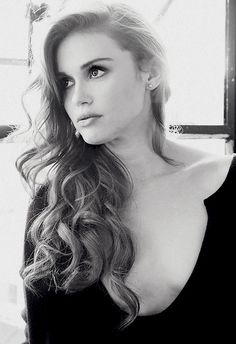 holland marie roden is kinda cute