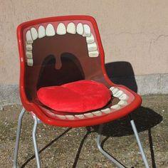 That chair is definitely gonna grab ur ass....lmfao
