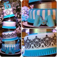 Dicas para noivas e debutantes para fazer um evento de luxo: Mega bolo de 15 anos by Simone Amaral