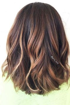 #Neueste Frisuren 2018 Haarfarbe für schulterlanges Haar #Haarfarbe #für #schulterlanges #Haar