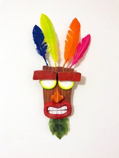 SEE IT IN A VIDEO: https://www.youtube.com/watch?v=iWwZPcVT7N8 This is a wooden replica of the character Aku Aku from Crash Bandicoot - N-Sane Trilogy! This piece is made from naturally worn reclaimed wood and discs from a tree branch to give Aku Aku a hypnotic pair of eyes. This is