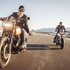 Meet Keanu Reeves and Gard Hollinger, founders of at the Keanu Charles Reeves, Keanu Reeves, Arch Motorcycle, Cars And Motorcycles, Martial Arts, Pilot, Biker, Instagram Posts, Instagram Snap
