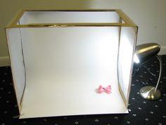 DIY mini fotostudio: Kartonnendoos, wit papier, keukenpapier, lamp...