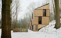 AST house in rotselaar, belgium Fachada de bambu! Bamboo Architecture, Contemporary Architecture, Interior Architecture, Contemporary Design, Conceptual Architecture, Modern Design, Interior Design, Facade Design, House Design