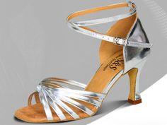Одежда и обувь для хореографии и спорта
