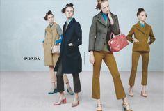 Prada Foto: Steven Meisel Styling: Olivier Rizzo Modelos: Lineisy Montero, Maartje Verhoef, Estella Boersm e mais