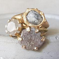 CJbijoux shared a new photo on Etsy – diamond rings vintage Raw Diamond Rings, Vintage Diamond Rings, Rough Diamond, Vintage Rings, Vintage Jewelry, Jewelry Art, Fashion Jewelry, Jewelry Design, Raw Gemstone Jewelry