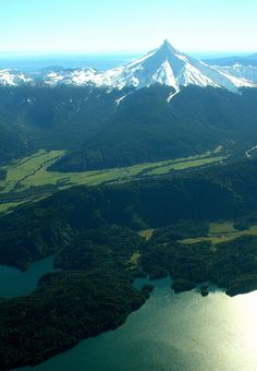 flentes:    Puntiagudo,Cámara de Turismo Osorno.  Puntiagudo Volcano, Los Lagos, Chile.