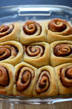 7 Ingredient Vegan Cinnamon Rolls! The easiest most delicious cinnamon rolls ever. Tested and approved. | minimalistbaker.com