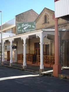 Ficksburg Photo Gallery Free State, Main Street, Travel Guide, South Africa, Maine, How To Find Out, Photo Galleries, Mansions, House Styles