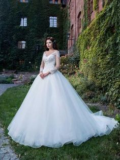 The Romantic collection is a stunning collection of wedding dresses for the elegant bride. Contact The Bridal House to book your fitting. Elegant Bride, Romantic, Bridal, Wedding Dresses, Rose, Collection, Fashion, Bride Dresses, Moda