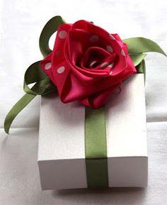 Fabulous folded ribbon rose video.