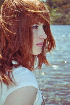 I love red hair.wonder what I would look like with red hair? Beautiful Red Hair, Beautiful Redhead, Shades Of Red Hair, Redheads Freckles, Red Hair Woman, Redhead Girl, Ginger Hair, Pretty Hairstyles, New Hair
