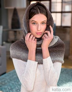 Book Woman Accessories 11 Autumn / Winter   32: Woman Cowl   Fawn brown