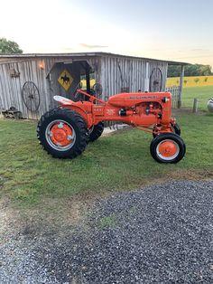 Antique Tractors, Vintage Tractors, Old Tractors, Vintage Farm, Allis Chalmers Tractors, Tractor Attachments, Classic Tractor, Small Farm, Steam Engine