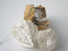 "Pendant / Brooch | Toril Bonsaksen. ""Physalis alkengi, 2011"".  Silver and gold"