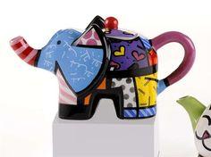 Romero Britto Mini Elephant Teapot - Fun and cute! Elephant Teapot, Ceramic Elephant, Colorful Elephant, Elephant Love, Elephant Walk, Teapot Design, Cute Teapot, Apple Tea, Teapots Unique