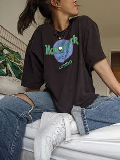 10 Spring Jeans para darle un descanso a tus Skinny in 2020 Indie Outfits, Retro Outfits, Grunge Outfits, Cute Casual Outfits, Vintage Outfits, Outfits 90s, Casual Dresses, Vintage Fashion, Teenager Outfits