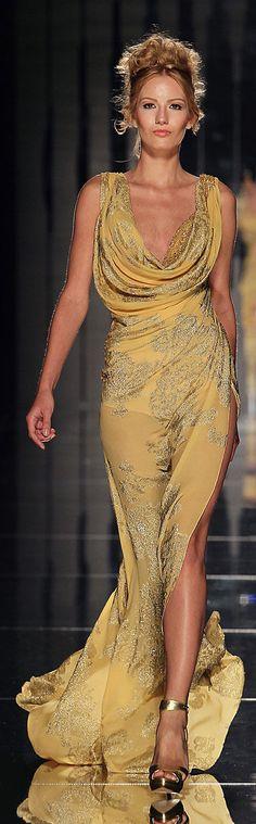 ✜ Abed Mahfouz - Couture - Fall-Winter 2011-2012 ✜ http://en.flip-zone.com/fashion/couture-1/independant-designers-41/abed-mahfouz-2330