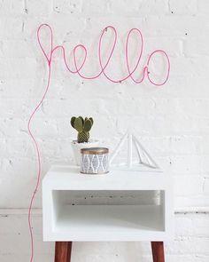 Neon DIY à faire pour décorer son salon DIY neon home made for home decoration