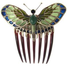 i always wanted this, when I saw it in the movie. Rose Dawson's butterfly hair comb replica from the titanic Vintage Hair Combs, Vintage Hair Accessories, Bridal Accessories, Hat Hairstyles, Vintage Hairstyles, Antique Jewelry, Vintage Jewelry, Decorative Hair Combs, Barrettes