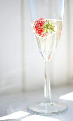A  unique gift for a mixologist! http://www.notonthehighstreet.com/zingorganics/product/mixologist-s-cocktails-spray-hamper