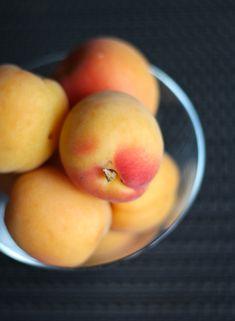 apricots Laundry, Appetizers, Peach, Fruit, Food, Laundry Room, Appetizer, Essen, Peaches