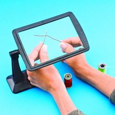 Page Magnifier - reduce eye strain with this extra large desktop magnifier. Perfect for reading, sewing and more. #magnifier #visionaids #eyesight #cleverideas