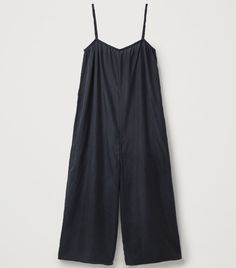 Cos Wide Mulberry Silk Jumpsuit Only Fashion, Girl Fashion, Holiday Packing Lists, Fashion Hacks, Fashion Tips, Silk Jumpsuit, Mulberry Silk, Every Girl, Who What Wear