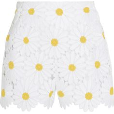 Dolce & Gabbana Macramé lace shorts ($1,275) ❤ liked on Polyvore featuring shorts, white, floral lace shorts, flower print shorts, high rise shorts, highwaisted shorts and white lace shorts