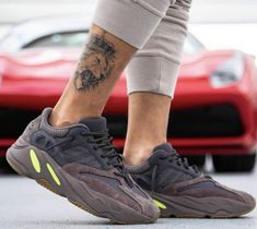 big sale 23e59 2c5b3 yeezy-boost-700-mauve-on-feet-wave-runner-outfit-ee9614-(3)