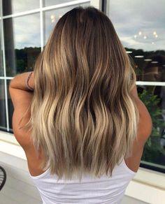 Ombre Hair, Balayage Hair Blonde, Brown Blonde Hair, Brunette Hair, Bronde Hair, Messy Hairstyles, Hair Dos, Gorgeous Hair, Dyed Hair