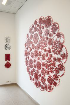Michael Brennand Wood - Lace, The Final Frontier Tentoonstelling Strings - Design Vlaanderen Galerie, Brussel - Foto Michael De Lausnay - Stitching On Paper, Textiles, A Level Art, Pattern And Decoration, Sacred Art, Textile Artists, Embroidery Art, Sculpture Art, Fiber Art