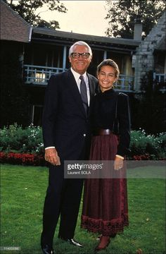 <a gi-track='captionPersonalityLinkClicked' href=/galleries/search?phrase=Cary+Grant&family=editorial&specificpeople=90519 ng-click='$event.stopPropagation()'>Cary Grant</a> and wife Barbara In Paris, France On September 15, 1982-<a gi-track='captionPersonalityLinkClicked' href=/galleries/search?phrase=Cary+Grant&family=editorial&specificpeople=90519 ng-click='$event.stopPropagation()'>Cary Grant</a> and wife Barbara.