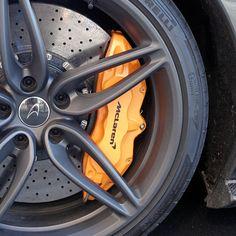 Vis meg dine bremsecalipere ... Maserati, Ferrari, Porsche, Dining, Car, Food, Automobile, Porch, Autos
