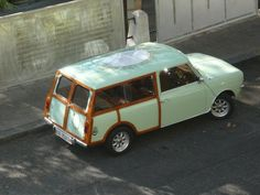 "Mini Clubman 1971 ""Ladurée"""