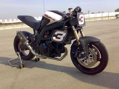 "Racing Cafè: Suzuki ""SV 1000 R"" by MacGyver - Step 1"