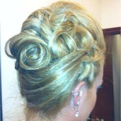 Bridal updo @Andrea / FICTILIS Grabber