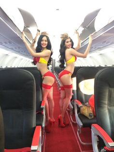 Passenger caught filming hot and Naked  air hostess in Dubai to Karachi ...